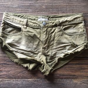 Free People | Army Green Short Shorts Size 29
